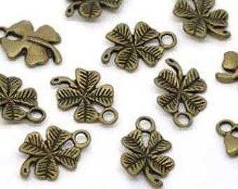 set of 10 4 leaf clover charms
