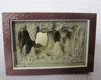 Showcase miniature cave cave