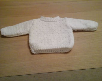 White knitted jumper size newborn