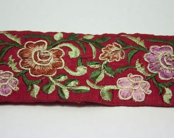 Ribbon embroidered flowers red 6.5 cm x 50 cm