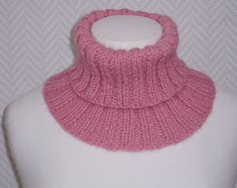 "Snood, neck pink ""Humbug"" hand knitted wool"