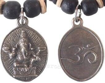 Ganesh / om pendant on chord necklace, ganesha necklace, om necklace. elephant god necklace ganesh Halskette collier de ganesh ketting