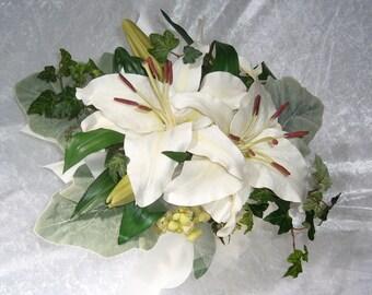bouquet de mariée  grands  lys ivoires  feuillage