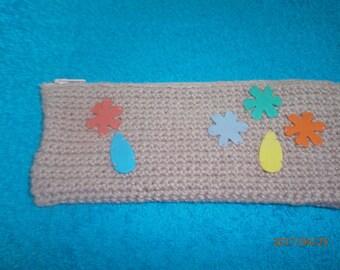 decorated in beige crochet Kit
