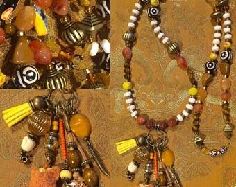 Ethnic necklace with natural stones