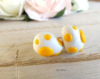 Stud earrings Yoshi's eggs, color yellow