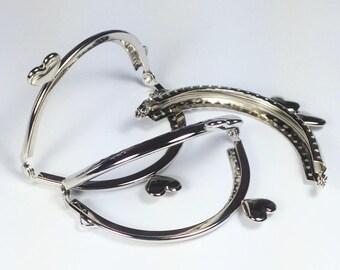 Hearts offset 8.5 cm, silver color clasp