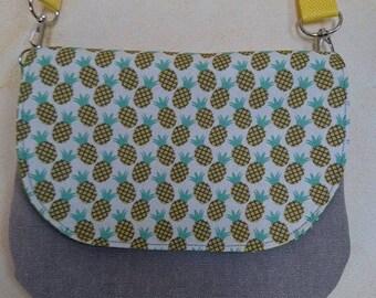 Lil shoulder bag beige pineapple pattern