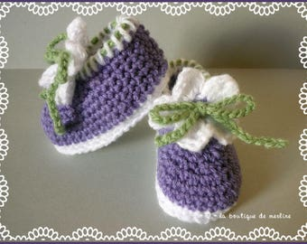 Baby: slippers slightly studs, purple and white, white flower, 1/3 months