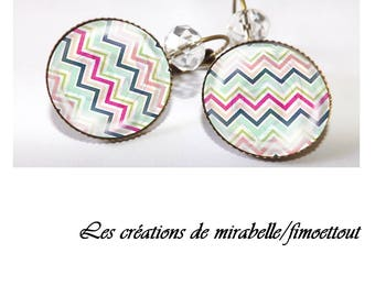 Glass cabochon, zigzag chevron colored oreillle earring