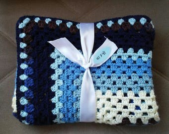 Granny square crocheted blanket - blue and white