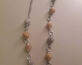 Long necklace mi balls with gold and silver