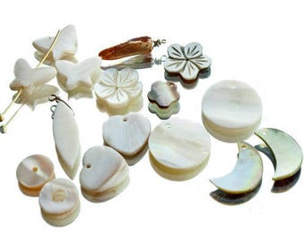 Set of white Pearly beads and pendants