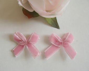 3 sets of 2 bows on pink velvet 2 * 2 cm