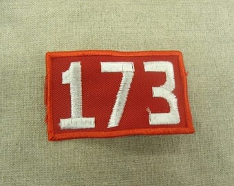 badge military sewing - red and white - pattern 173