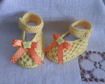 Shape babies size 0/3 months cotton wool baby booties