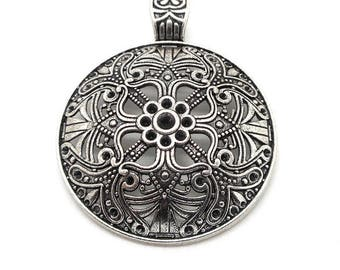 Very large pendant round silver ethnic pattern