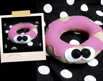 Plush shaped gourmet donut with pink grout APLUCHES