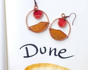 """Earrings """"dune"""" ocher and red, minimal, for travel lovers and the exotic, hand-painted"""