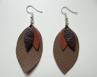 Brown leather leaf earrings and gold light and timeless