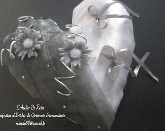 Silver Heart White satin and organza wedding ring pillow and daisies