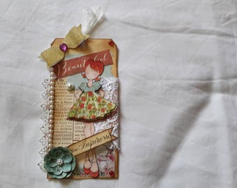 Small tag decorative woman