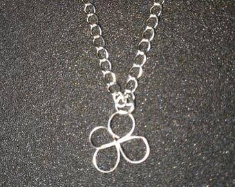 77. Hand Crafted Flower Necklace