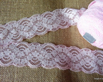 Beautiful pink lace, 5 cm width, scalloped lace adorned with flowers