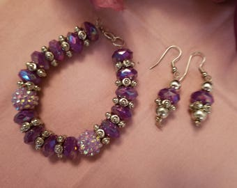 Beautiful Sparkling Purple Beads with Lavender and Silver Accent,  Bracelet/ Earrings Set.   New Hand Made Jewelry.