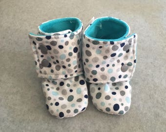 Gender Neutral Dot Stay On Baby Booties