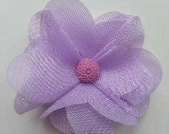 fleur en mousseline  mauve  et fleur résine   50mm