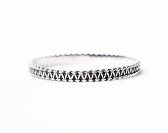 Allie – Antiqued Silver Bangle