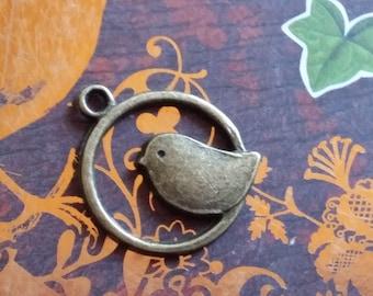 Perched bird charm 1 bronze beautiful quality