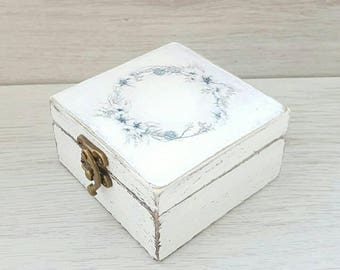 Personalized wedding ring box, Wedding ring holder, Rustic ring box, Wooden jewelry box, Custom ring holder,  Ring bearer box, Personal box