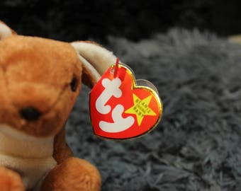POUCH the Kangaroo, Style 4161--1996 Ty PVC Beanie Baby!  He is a Fareham, Hants release!