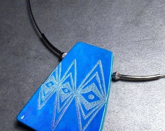Pendant necklace zig zag in Pearlescent blue polymer clay and silver patterns