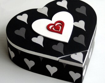 """Red heart and black"" jewelry box"