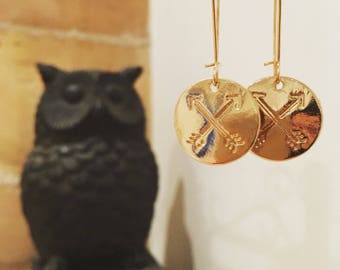 Earrings with large sequin gold metal