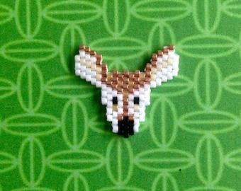Small brooch DOE Miyuki beads