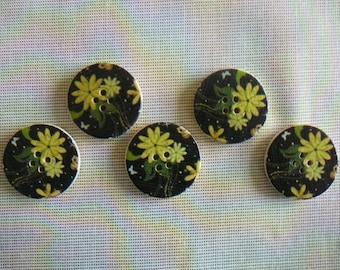 Patterns flowers yellow/green - set of 30 mm diameter, new, 5 wooden buttons.