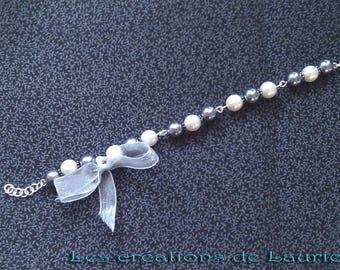 Dark gray and off white glass beads bracelet