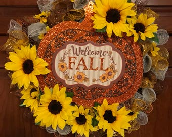 Welcome Fall Sunflower Wreath