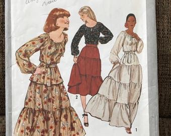 Misses Pullover Blouse and Skirt Sewing Pattern, Size 10