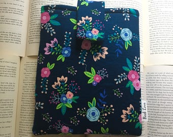 Cutesy Flowers Book Love Sleeve