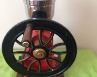 Vintage Cast Iron Hand Crank Coffee Grinder/Mill