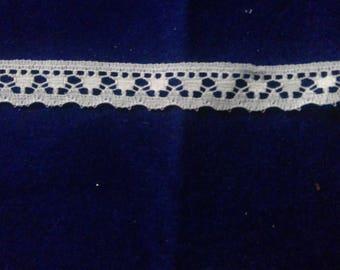 cream lace trim