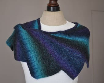 Scarf 'wingspan' blue - 9 spikes
