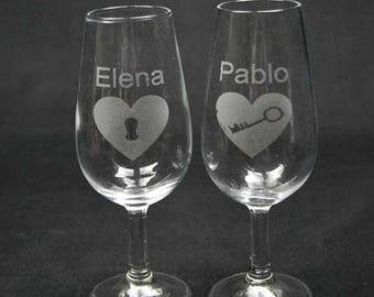 6 Syphon glasses engraved with drawing and text to be desired