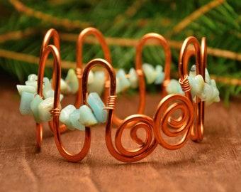 Wire copper bracelet, raw boho bracelet, copper bangle, beaded copper cuff, wire copper cuff, gemstone cuff, green beaded bracelet