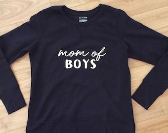 Mom of boys crew neck